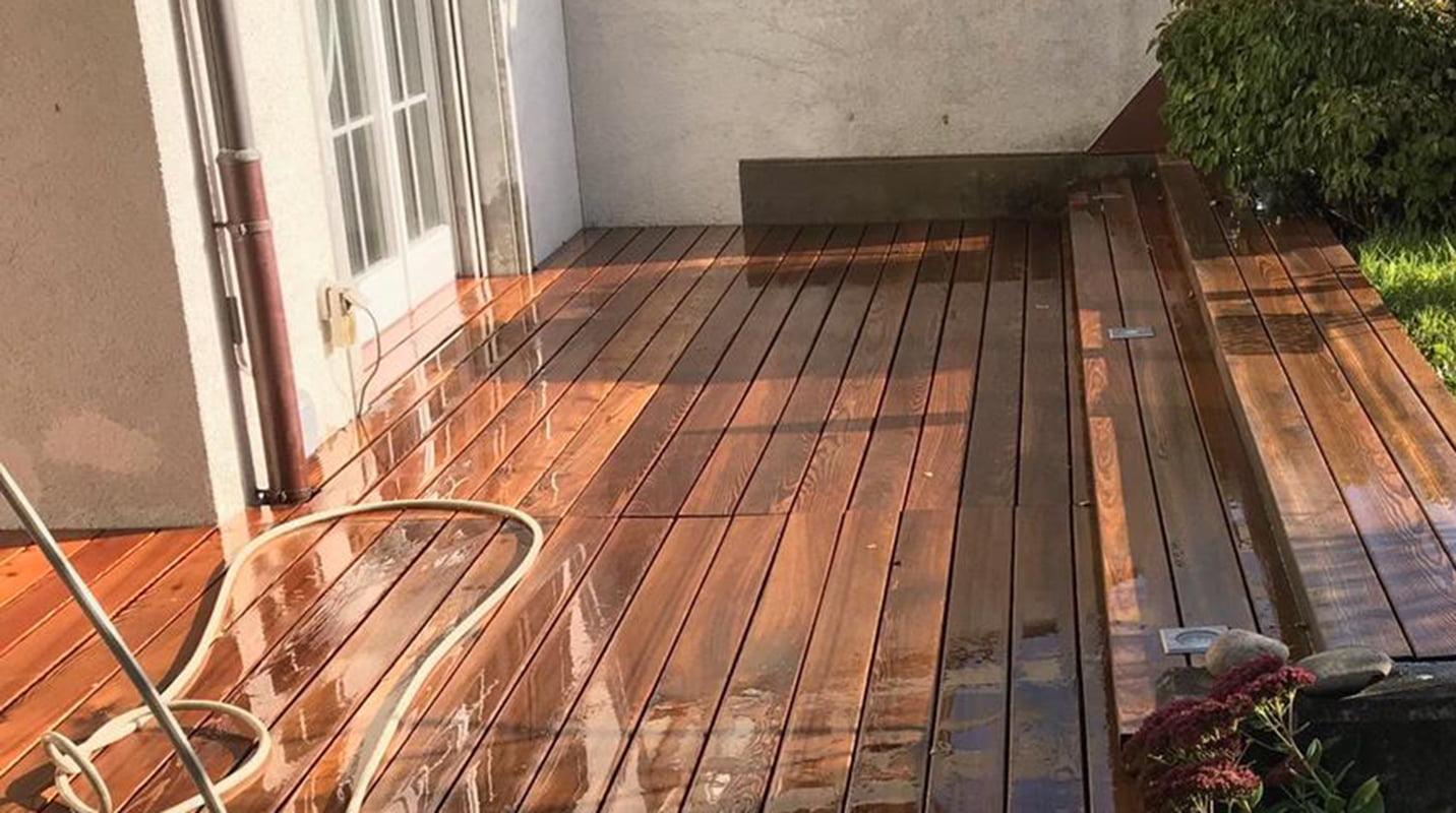 Reinigung Terrassenboden